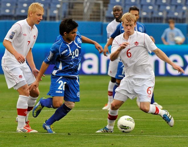 Eliminatorias Olimpicos Londres 2012: El Salvador 0 Canada 0. Olimpicos12-ES0C0-Flores1