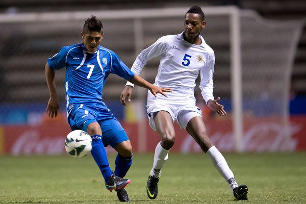 Premundial de CONCACAF: Eliminatorias Copa Mundo Turquia 2013: El Salvador 2 Curazao 1. U20-2013-ES2CU1-Henriquez1